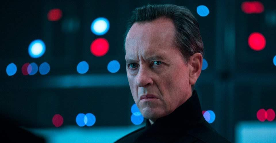 Richard-E.-Grant-as-Pryde-in-Star-Wars-The-Rise-of-Skywalker