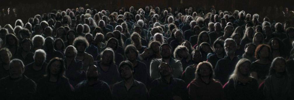 Crowd-movie-theater1